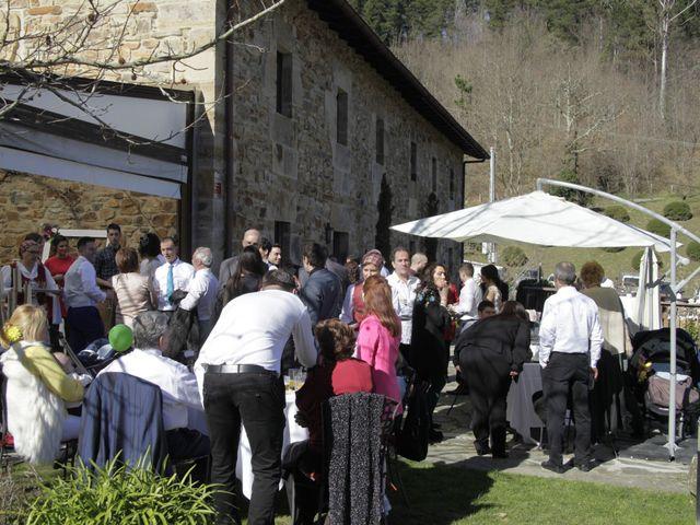 La boda de Gorka y Sarai en Abadiño, Vizcaya 8