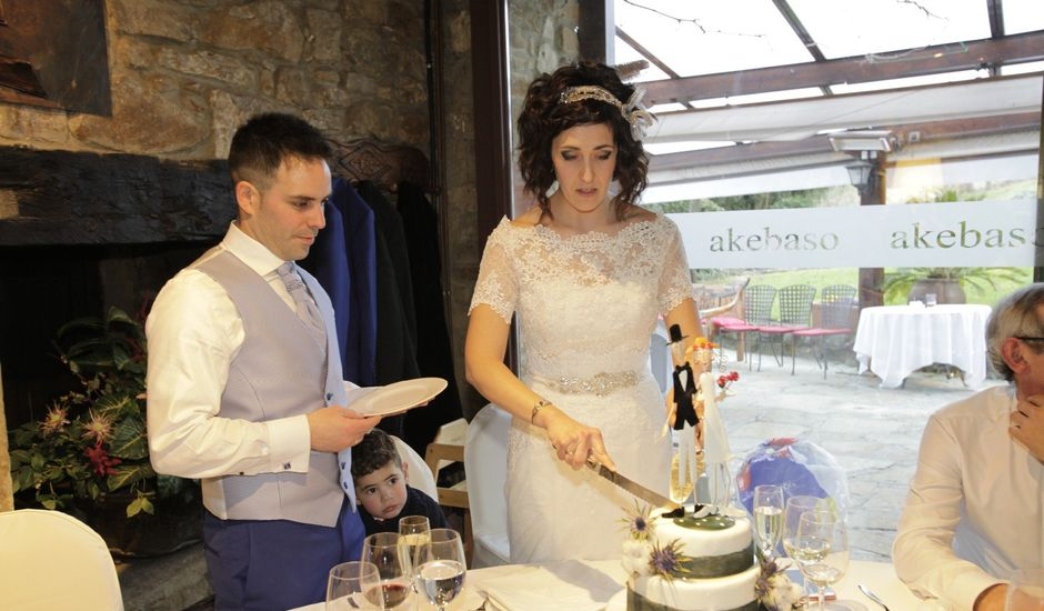 La boda de Gorka y Sarai en Abadiño, Vizcaya