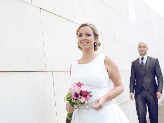 La boda de Ieltxu y Sara en Bilbao, Vizcaya 28