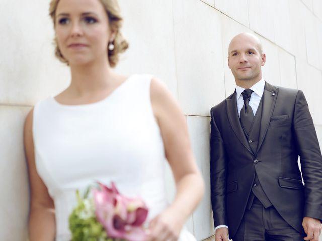 La boda de Ieltxu y Sara en Bilbao, Vizcaya 29