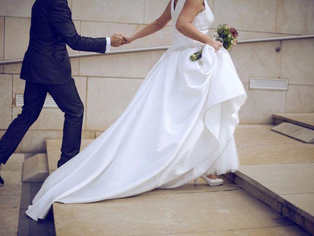 La boda de Ieltxu y Sara en Bilbao, Vizcaya 30