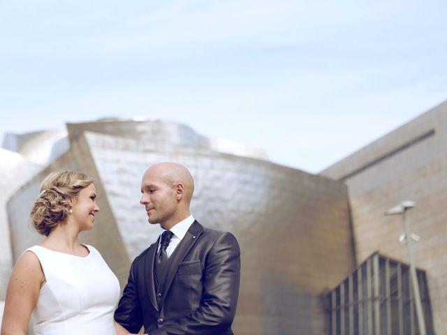 La boda de Ieltxu y Sara en Bilbao, Vizcaya 33