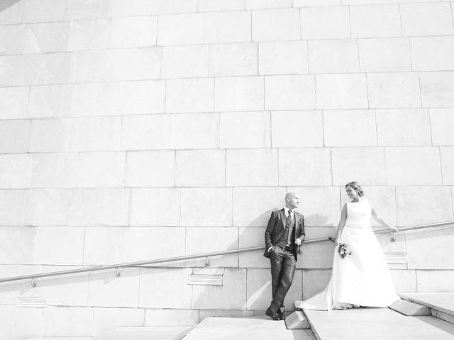 La boda de Ieltxu y Sara en Bilbao, Vizcaya 37
