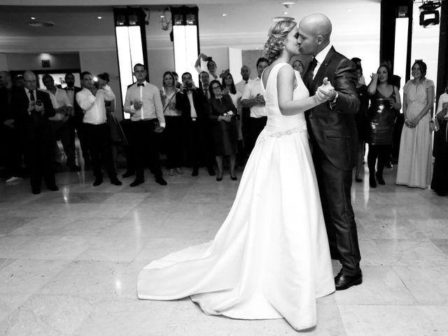 La boda de Ieltxu y Sara en Bilbao, Vizcaya 47