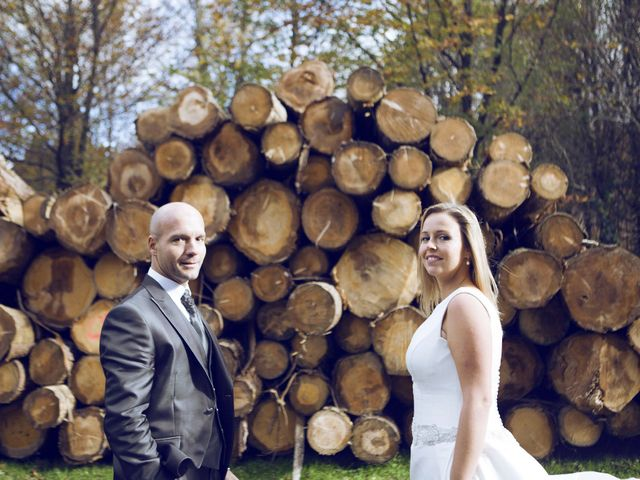 La boda de Ieltxu y Sara en Bilbao, Vizcaya 56