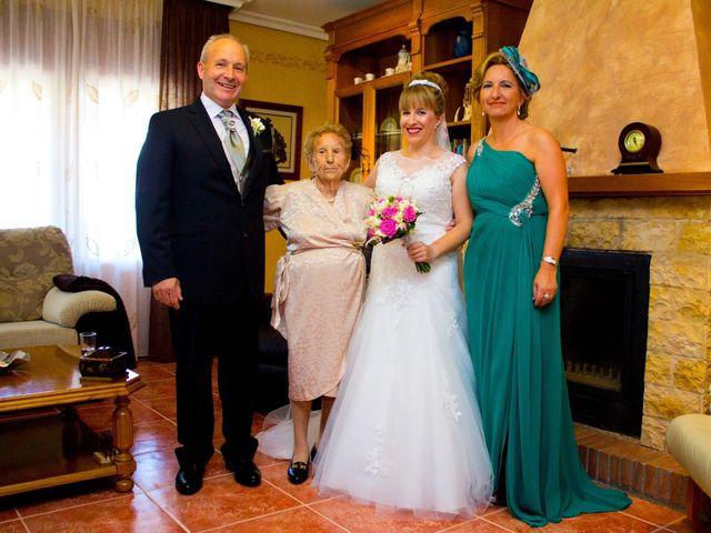 La boda de David y Cristina en Jaraiz De La Vera, Cáceres 34