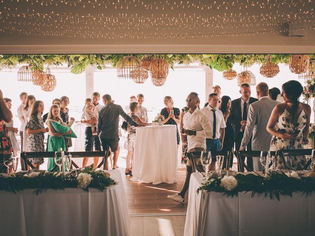 La boda de Ronni y Tetiana en Chiclana De La Frontera, Cádiz 24
