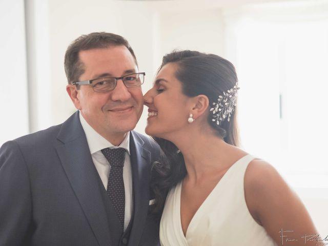 La boda de Gogui y Isa en Oleiros, A Coruña 15