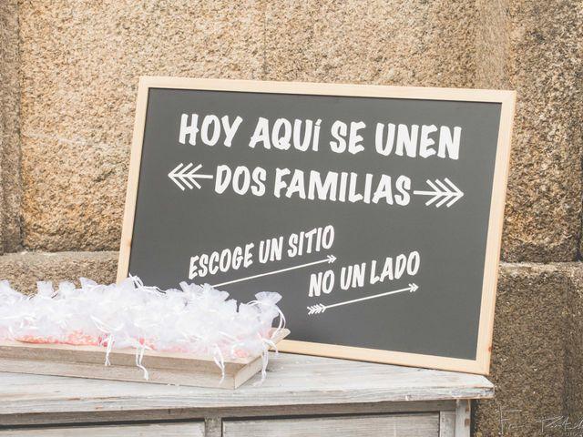 La boda de Gogui y Isa en Oleiros, A Coruña 23
