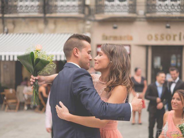La boda de Gogui y Isa en Oleiros, A Coruña 27