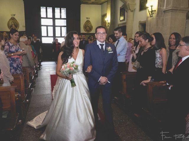 La boda de Gogui y Isa en Oleiros, A Coruña 32