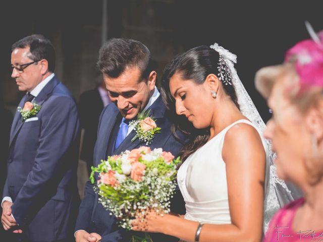 La boda de Gogui y Isa en Oleiros, A Coruña 33