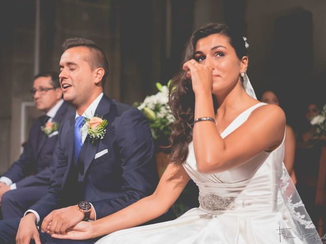 La boda de Gogui y Isa en Oleiros, A Coruña 35