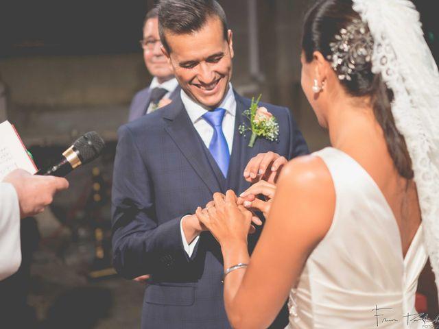 La boda de Gogui y Isa en Oleiros, A Coruña 37