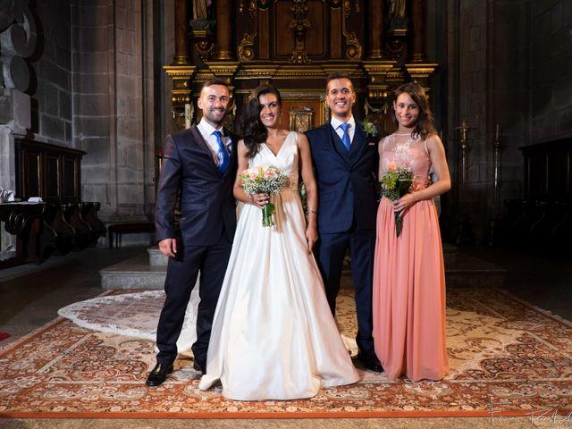 La boda de Gogui y Isa en Oleiros, A Coruña 41