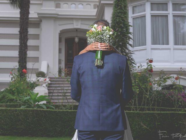 La boda de Gogui y Isa en Oleiros, A Coruña 62