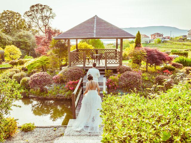 La boda de Nuria y Cris en Redondela, Pontevedra 33