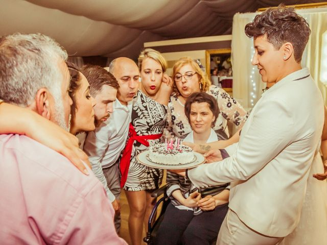 La boda de Nuria y Cris en Redondela, Pontevedra 43