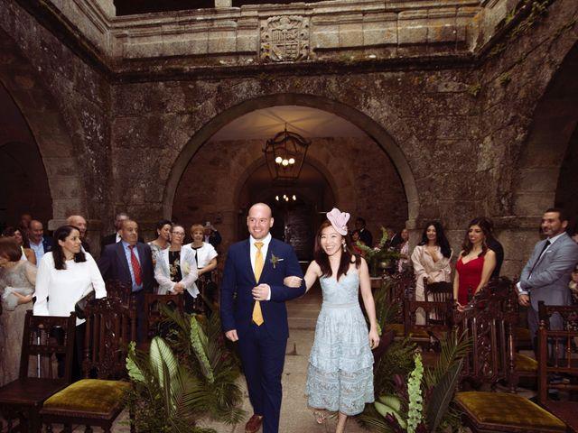 La boda de Adrián y Ying en San Tirso (Mens), A Coruña 12