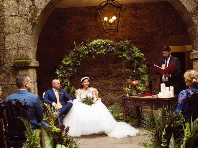 La boda de Adrián y Ying en San Tirso (Mens), A Coruña 17