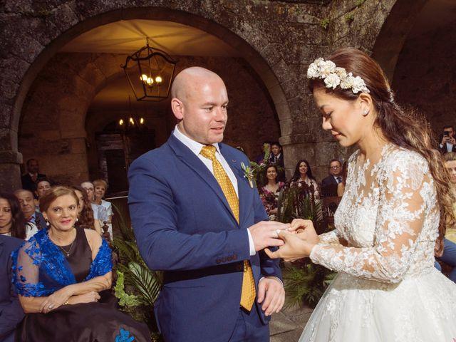 La boda de Adrián y Ying en San Tirso (Mens), A Coruña 18