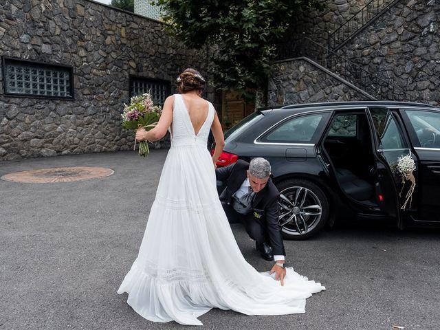 La boda de Marcos y Nuria en Gijón, Asturias 25