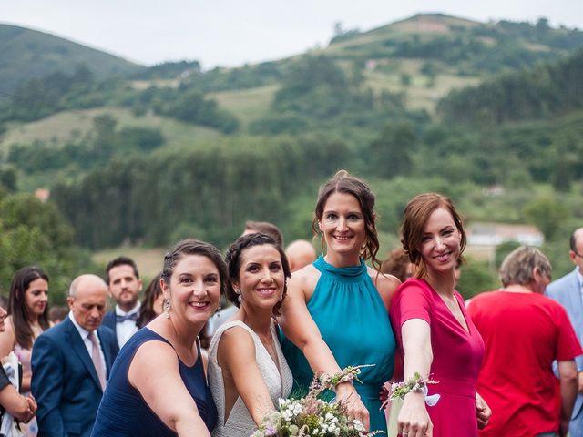 La boda de Marcos y Nuria en Gijón, Asturias 43