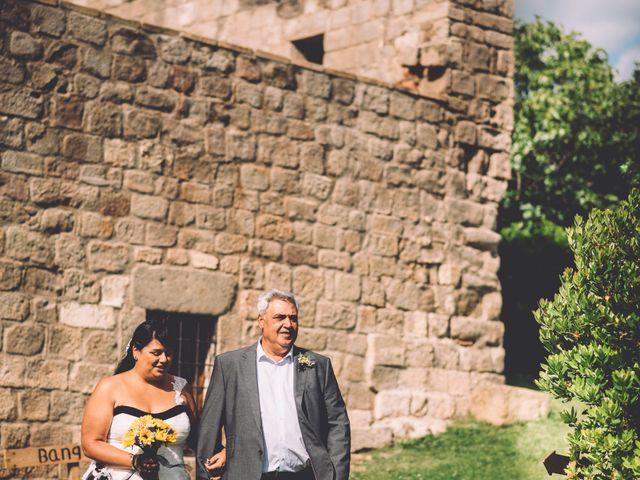 La boda de Steve y Fàtima en Puig-reig, Barcelona 11