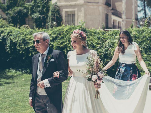 La boda de Rubén y Esther en Aldea Del Fresno, Madrid 64