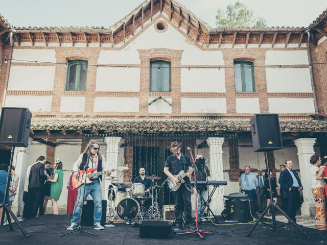 La boda de Rubén y Esther en Aldea Del Fresno, Madrid 104