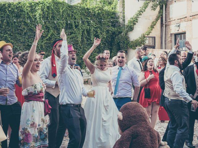 La boda de Rubén y Esther en Aldea Del Fresno, Madrid 111