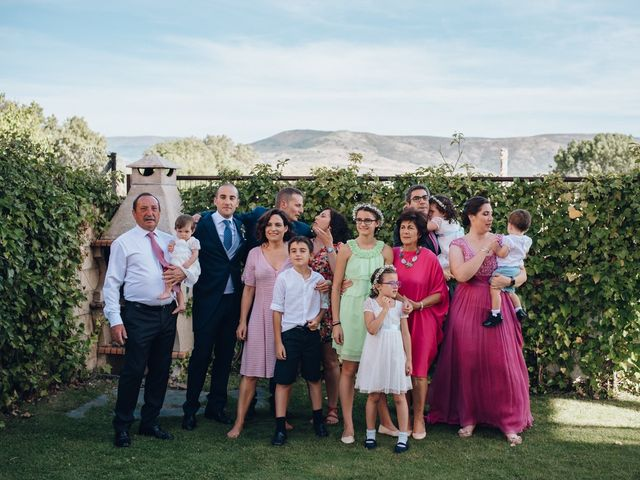 La boda de Jorge y Cristina en Torrecaballeros, Segovia 22