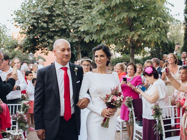 La boda de Jorge y Cristina en Torrecaballeros, Segovia 35