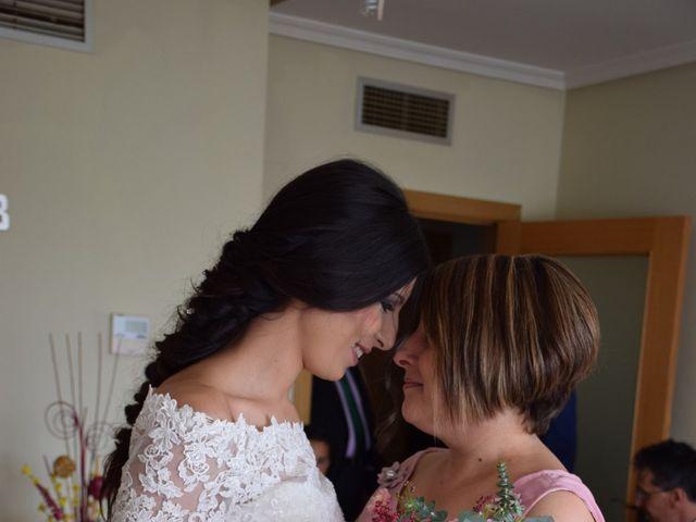 La boda de Victor y Noelia en Puertollano, Ciudad Real 16