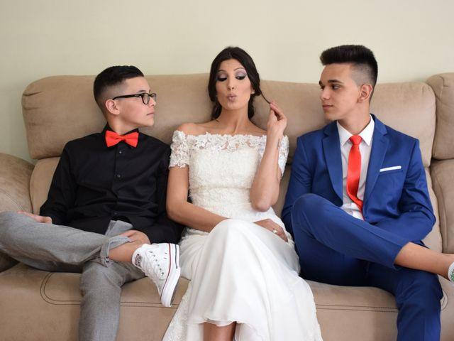 La boda de Victor y Noelia en Puertollano, Ciudad Real 24