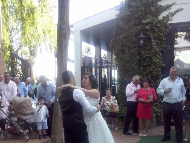 La boda de Javier y Laura en Casas De Fernando Alonso, Cuenca 3