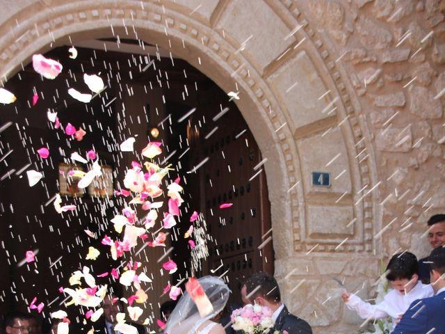 La boda de Javier y Laura en Casas De Fernando Alonso, Cuenca 5
