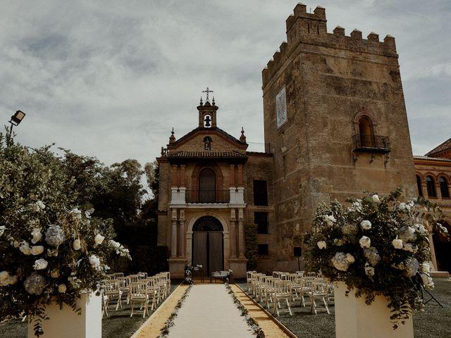 La boda de Jesús y José en Fuentes De Andalucia, Sevilla 7