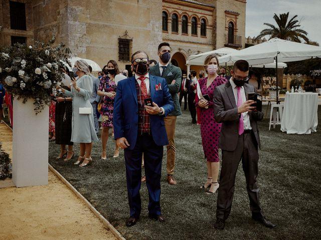 La boda de Jesús y José en Fuentes De Andalucia, Sevilla 38