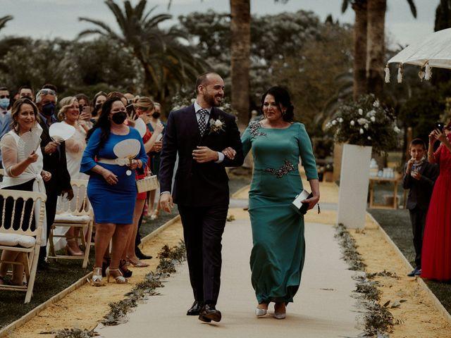 La boda de Jesús y José en Fuentes De Andalucia, Sevilla 43