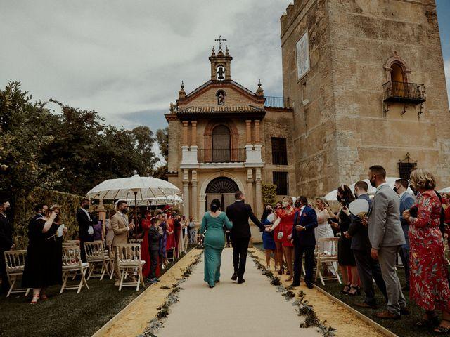 La boda de Jesús y José en Fuentes De Andalucia, Sevilla 44