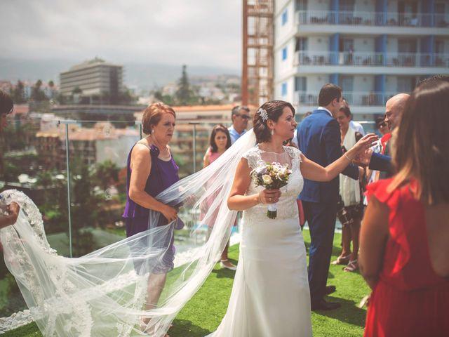 La boda de Gustavo y Pilar en Puerto De La Cruz, Santa Cruz de Tenerife 13