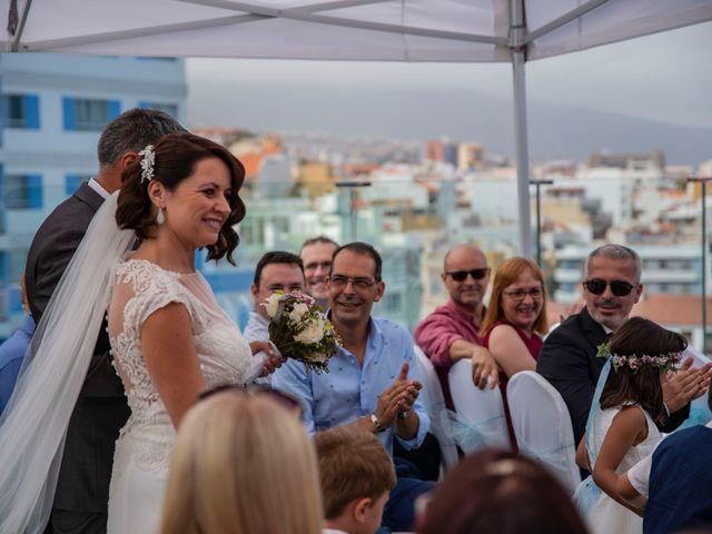 La boda de Gustavo y Pilar en Puerto De La Cruz, Santa Cruz de Tenerife 19