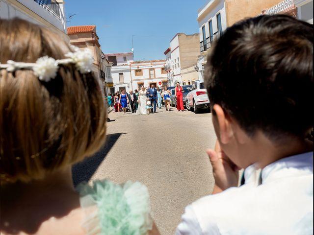 La boda de Julio y Cristina en Solana De Los Barros, Badajoz 12