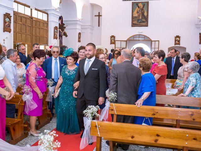 La boda de Julio y Cristina en Solana De Los Barros, Badajoz 14