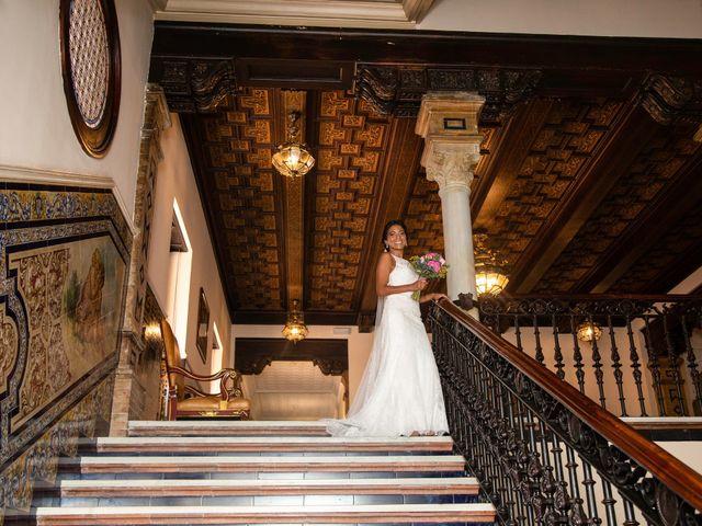 La boda de Javier y Karina en Sanlucar La Mayor, Sevilla 11