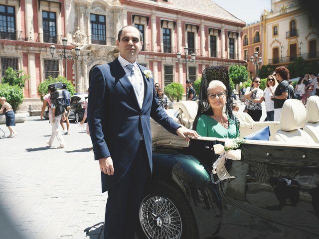 La boda de Javier y Karina en Sanlucar La Mayor, Sevilla 24