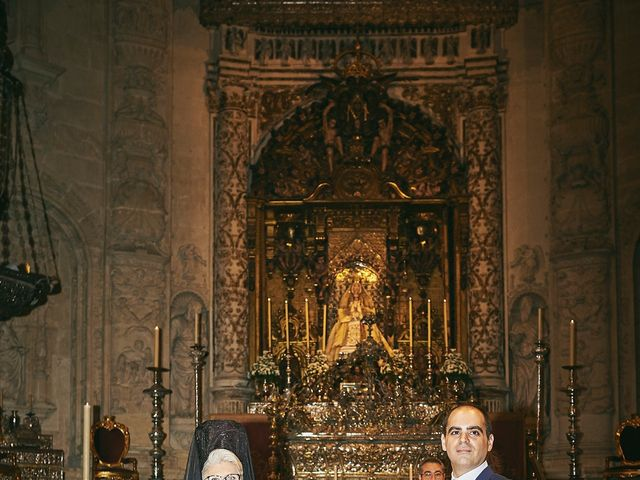 La boda de Javier y Karina en Sanlucar La Mayor, Sevilla 26