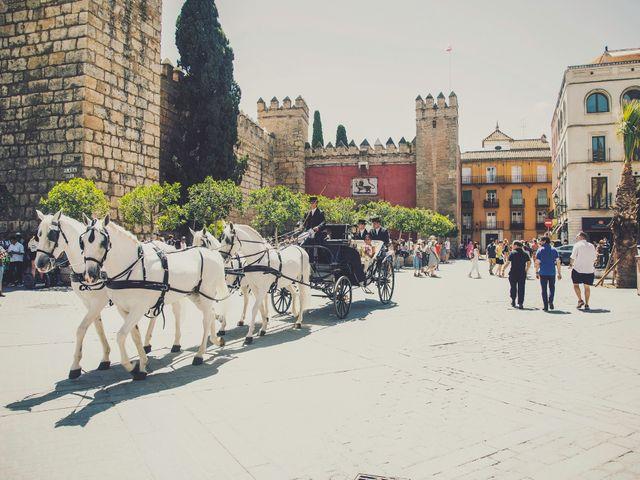 La boda de Javier y Karina en Sanlucar La Mayor, Sevilla 28