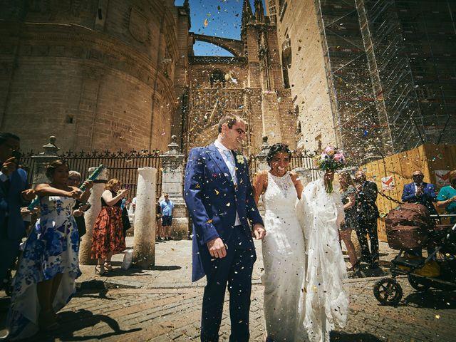 La boda de Javier y Karina en Sanlucar La Mayor, Sevilla 31